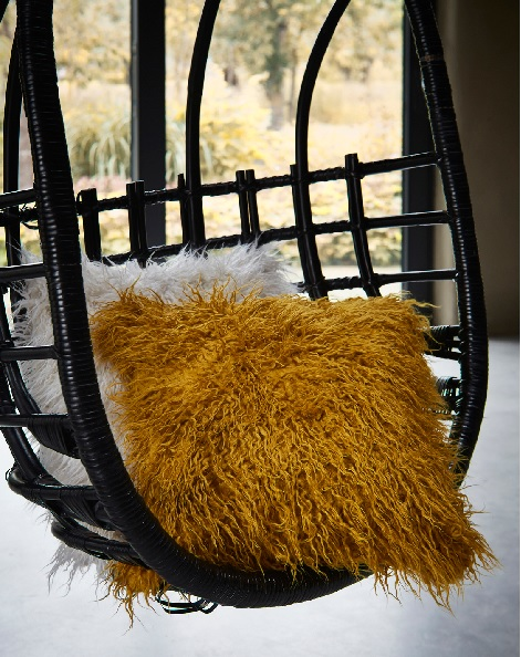 Essenza kussen Yenti mustard, white, 50 x 50 cm., fake fur, cushion filled,theo bot design